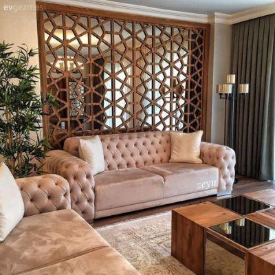 sala com painel vazado de madeira