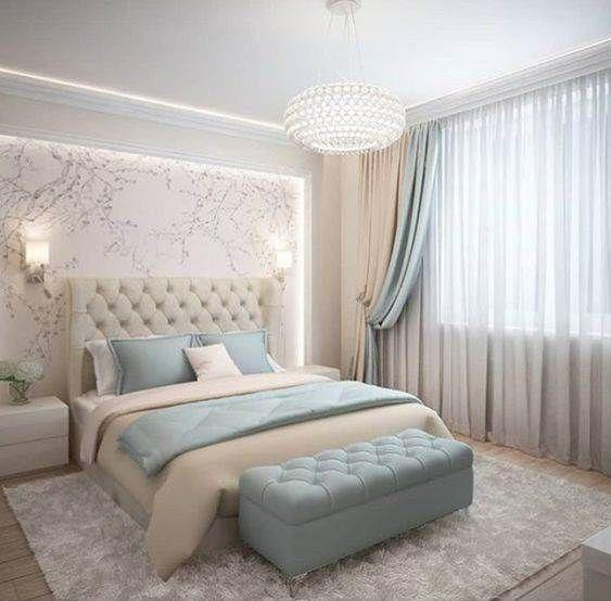 cortinas branca bege e verde clara combinando com almofadas e pufe