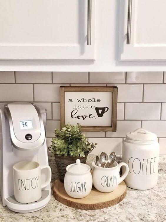 Decoração de Cantinho do Café sobre a banca da cozinha