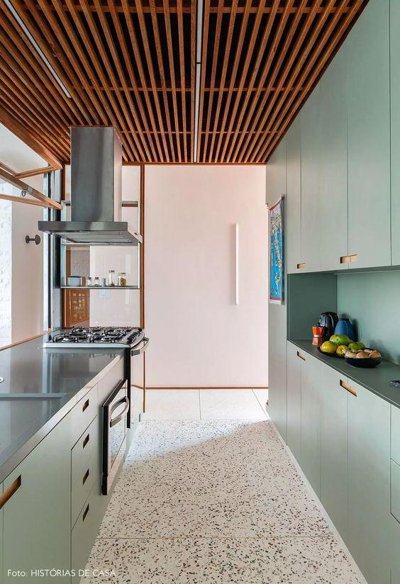 Revestimento cozinha com Granilite no chão