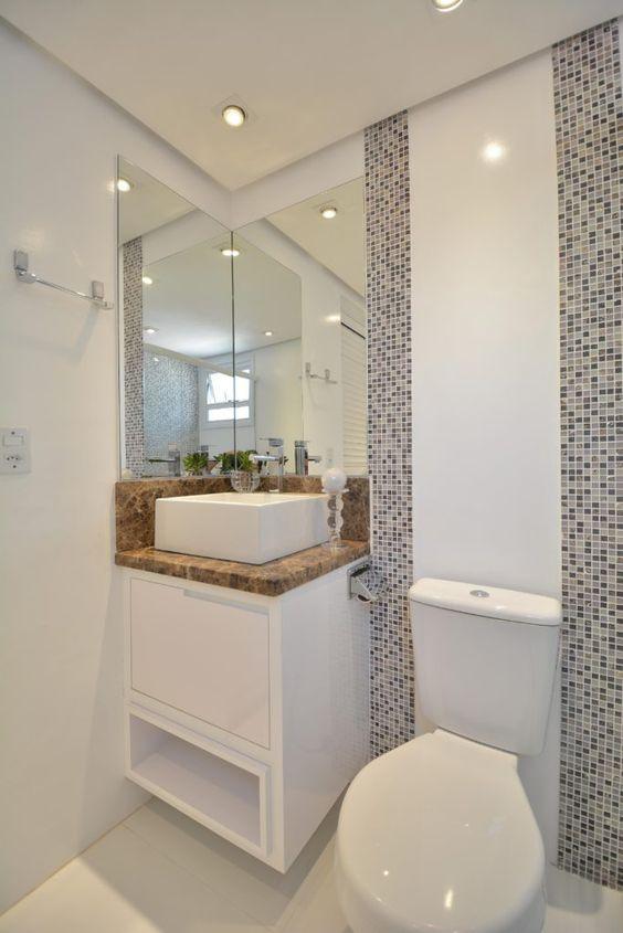 Reforma de banheiro com pastilha adesiva resinada