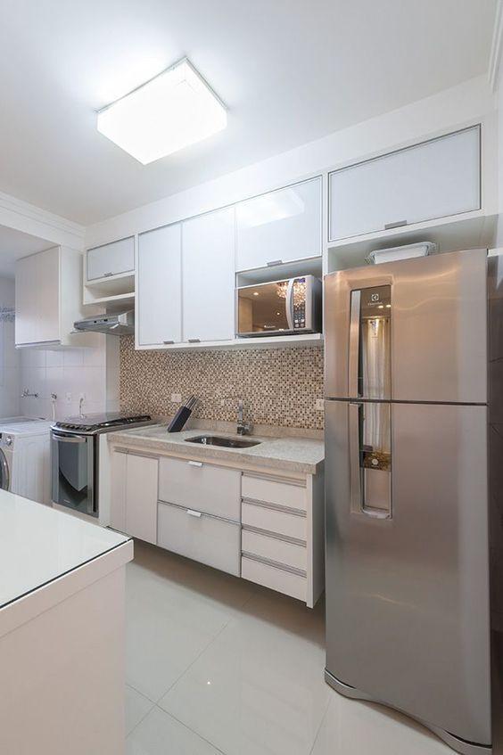 Cozinha planejada simples branca