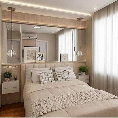 Decoração de quarto de casal simples com espelho