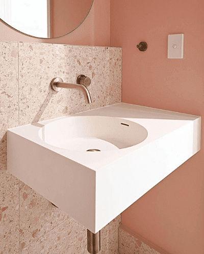 Granilite rosa no banheiro
