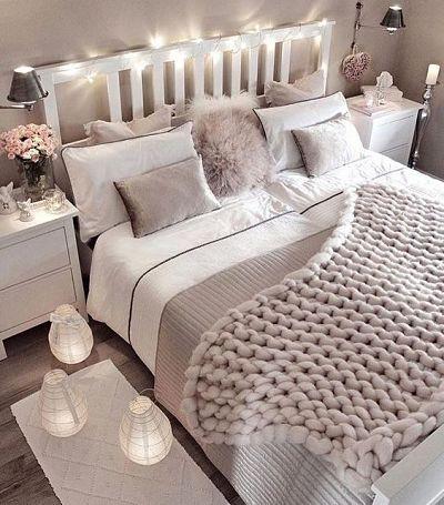 Tipos de cabeceira: cama com cabeceira de madeira
