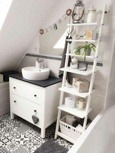 Estante escada no banheiro