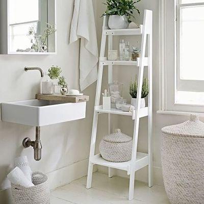 Estante escada - organização de banheiro