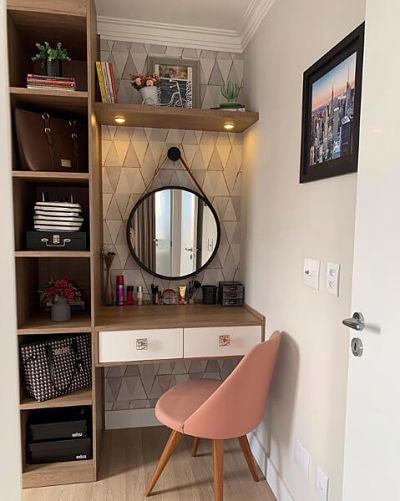 penteadeira planejada com espelho redondo quarto