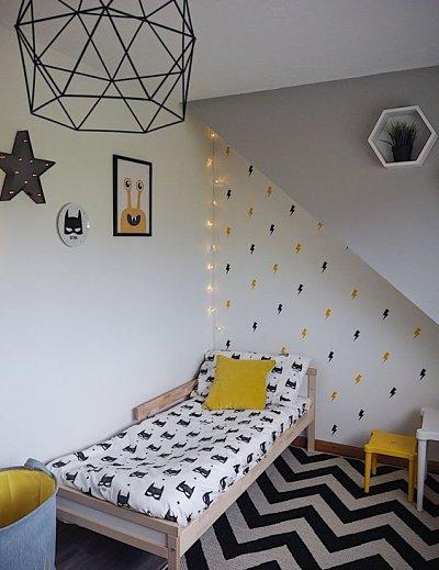 Quarto infantil com decoração de parede criativa