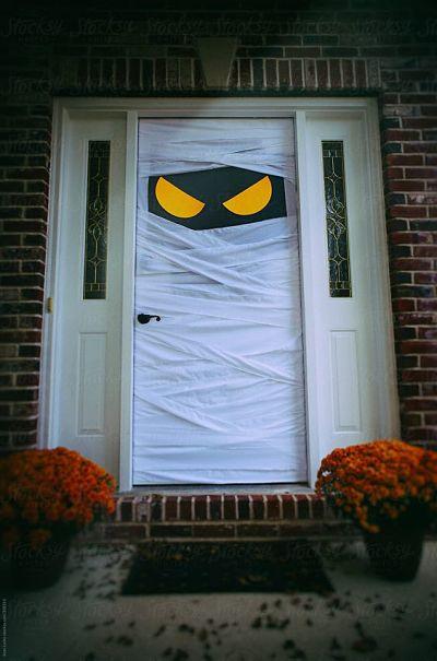 Decoração Porta para Halloween com papel