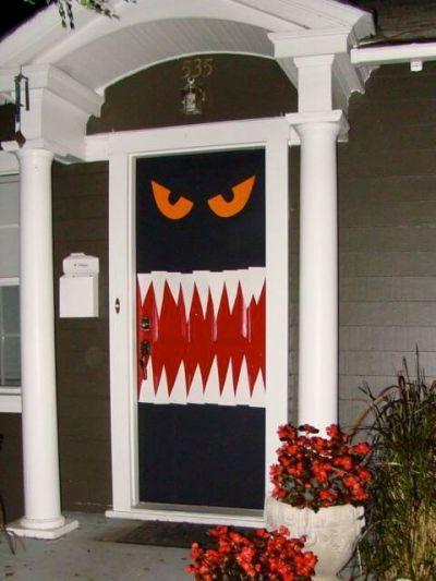 Decoração Porta Halloween simples com papel