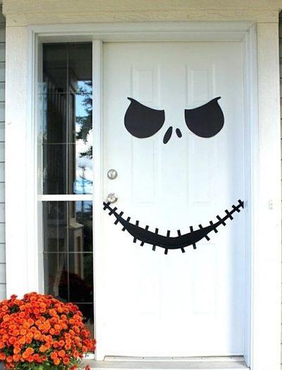 Decoração Porta para Halloween Simples com papel