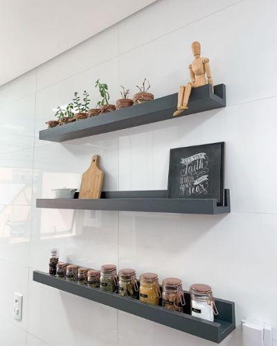 Prateleiras: melhores ideias para usar na decoração