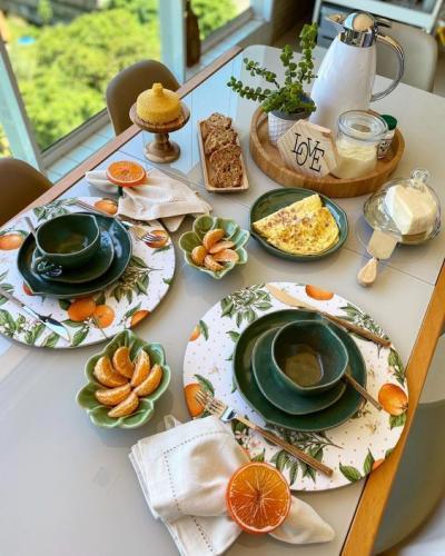 Mesa posta café da manhã
