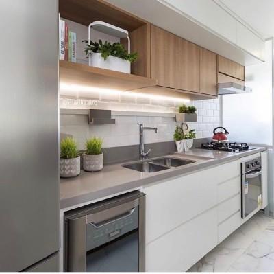 Cozinha pequena planejada de apartamento