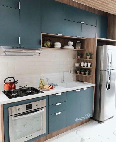cozinha planejada pequena colorida
