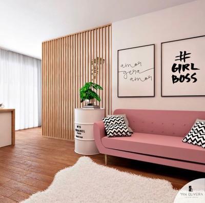 Painel vazado na sala com sofá rosa