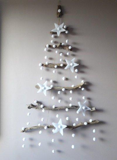 Árvore de Natal Simples e Criativa com galhos