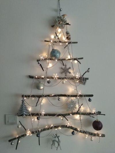 Árvore de Natal criativa com galhos