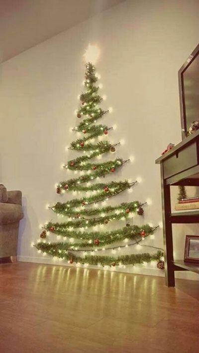 Arvore de natal com festão
