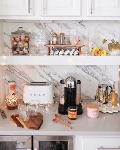 cantinho do café na bancada da cozinha