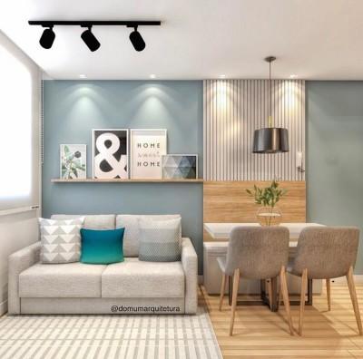 Como decorar uma sala pequena: ideia com sofá cinza integrada com sala de jantar pequena