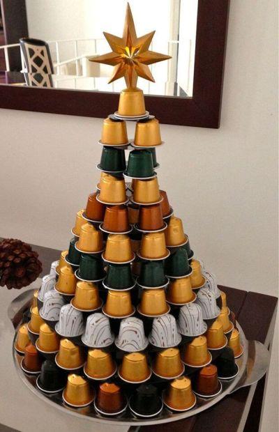 Árvore de Natal diferente com cápsulas de Café