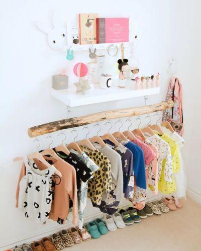 Guarda-roupa montessoriano para crianças