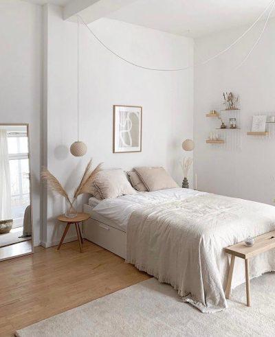Decoração minimalista com tons claros  no quarto