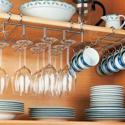 Organizadores de cozinha dentro do armário