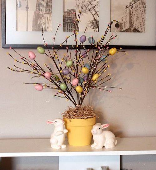 Galhos com ovos para decoração de Páscoa simples