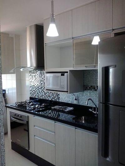 Cozinha planejada simples e pequena