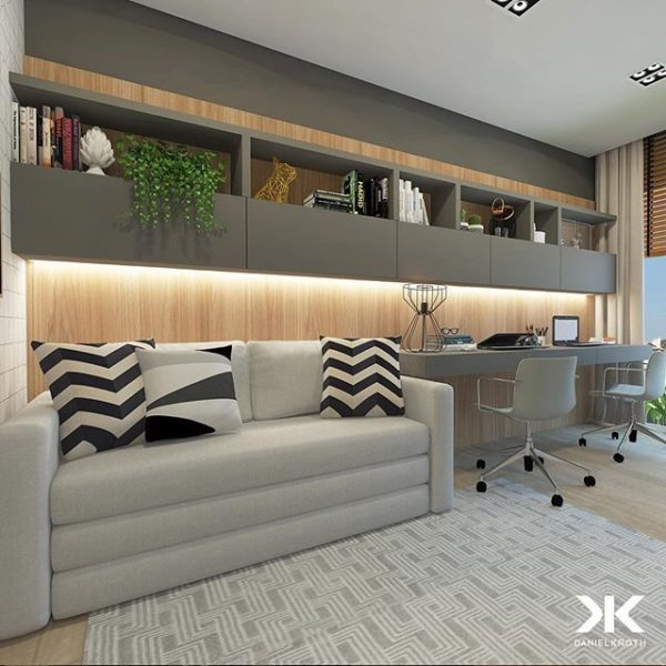 Sala cinza pequena com home office duplo