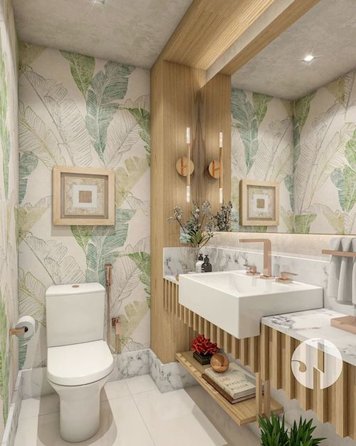 Papel de parede no banheiro pequeno